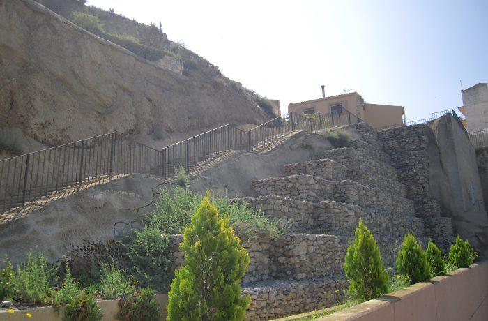 Consolidación escaleras en Fraga